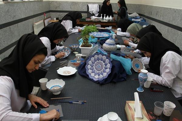 کارگاه های صنایع دستی استان مرکزی سامان دهی و درجه بندی می شوند