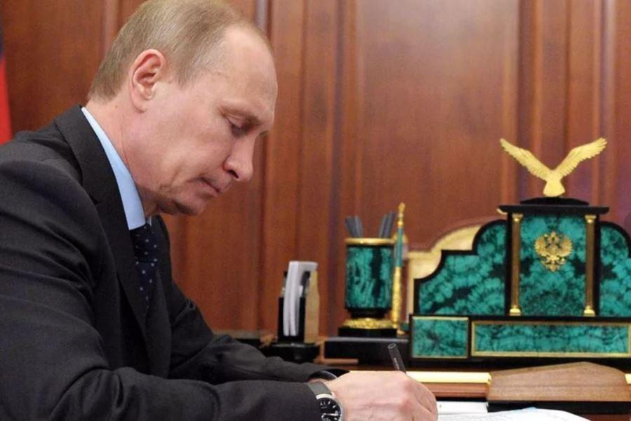 پوتین به دنبال کاستن از نقش نفت و گاز در صنعت انرژی روسیه