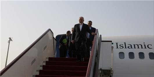انتها سفر ظریف به سریلانکا و سنگاپور، وزیر خارجه به تهران بازگشت
