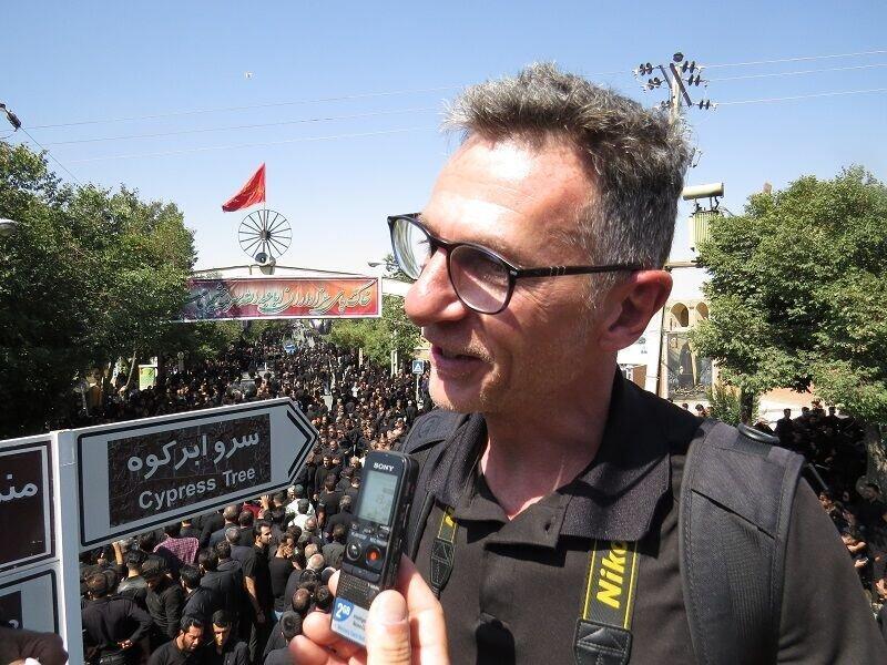 گردشگر ایتالیایی از عشق مردم ایران به امام حسین (ع) می گوید