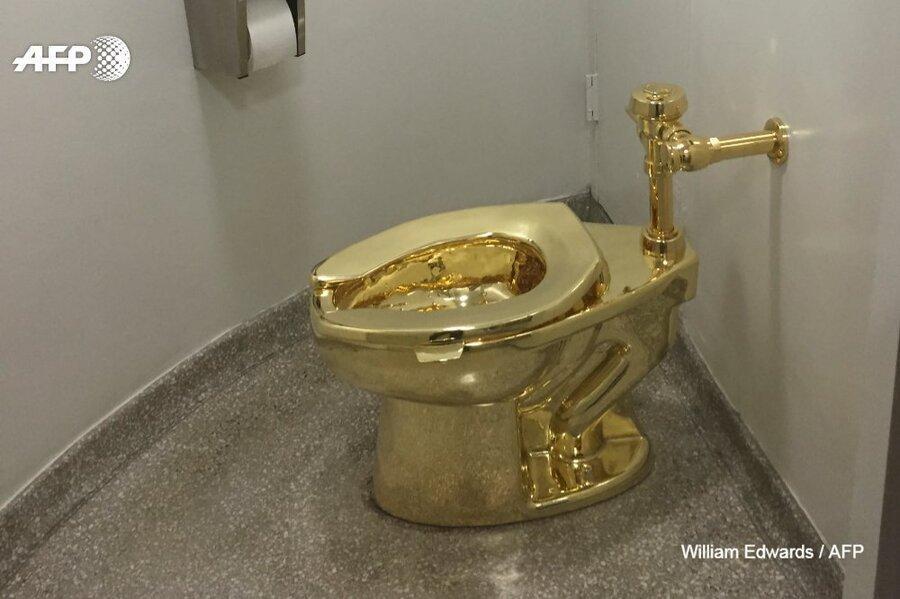 توالت طلای خالص از کاخ انگلیسی ربوده شد