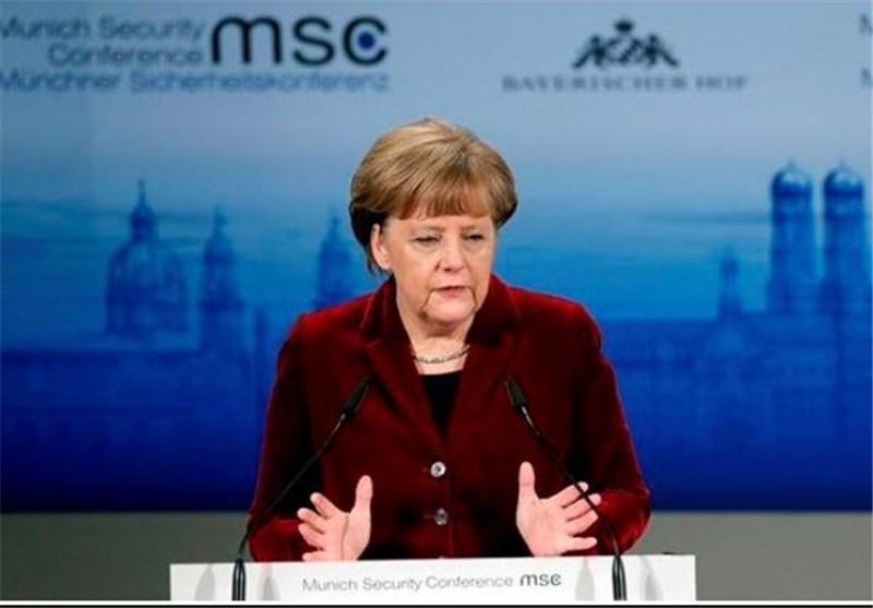 مرکل: یونان باید به همه مفاد توافق به منطقه یورو احترام بگذارد