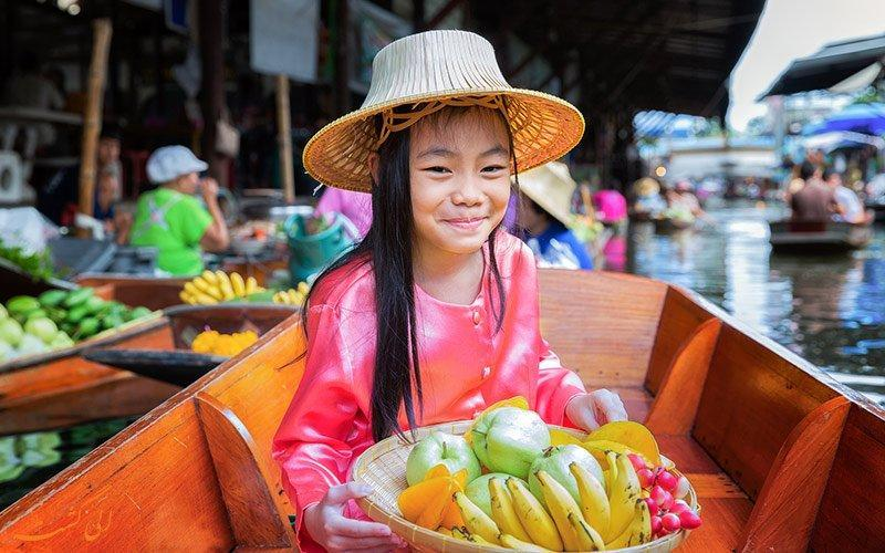 بازار شناور آمفاوا در تایلند