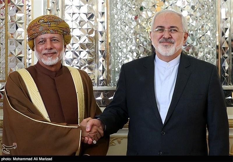 فرستاده ویژه عمان به همراه وزیر خارجه در تهران