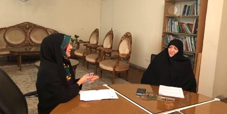 نیمی از علم در ایران با مشارکت زنان تولید می شود، زنان فعال تر از مردان در پزشکی