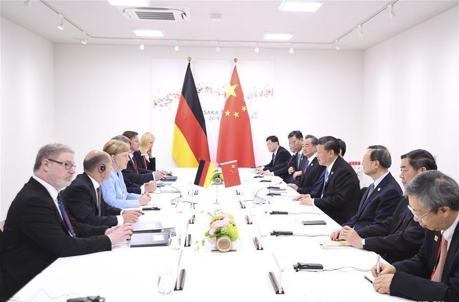 رهبران چین و آلمان: پرونده هسته ای ایران به صورت مسالمت آمیز حل گردد