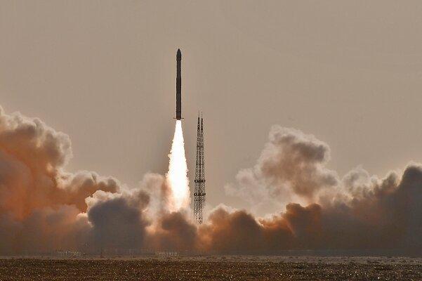 چین 6 ماهواره را با یک راکت به فضا فرستاد