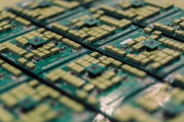 تجهیزات و فناوری های رایانشی خارجی در چین حذف می شوند