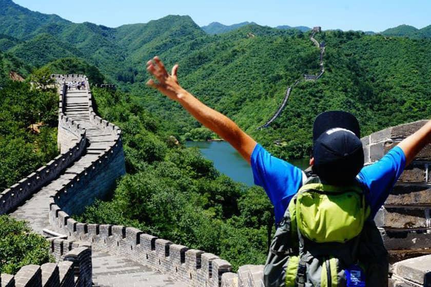 اولین سفر اکتشافی روی دیوار بزرگ چین چه زمانی رخ داد؟