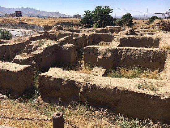 تعداد آثار باستانی در کشور ، تنها 10 درصد کل آثار باستانی ثبت ملی شده اند