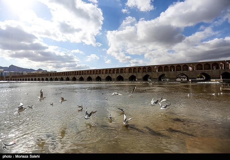 زاینده رود به عنوان رکن گردشگری اصفهان باید محافظت گردد
