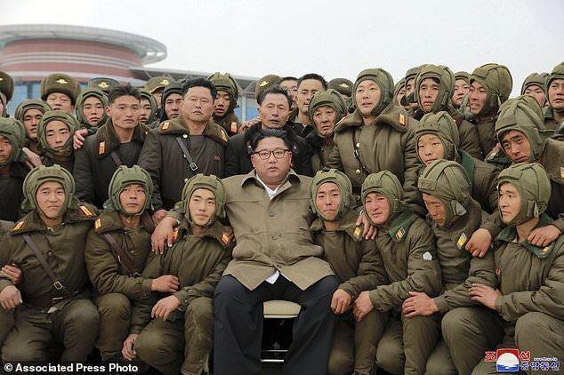 رهبر کره شمالی به تشکیل ارتشی شکست ناپذیر متعهد شد؛ باید علیه دشمن آماده باشیم
