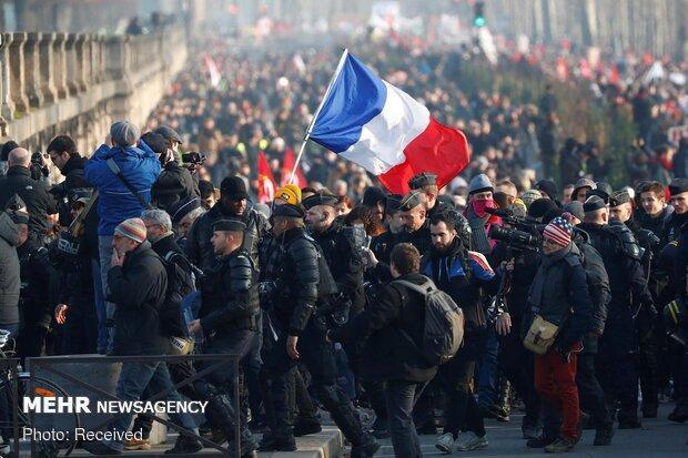 معترضان به قانون بازنشستگی در فرانسه تجمع اعتراضی برپا کردند
