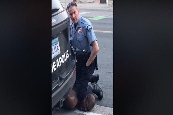 خشونت پلیس آمریکا با یک سیاهپوست منجر به مرگ وی شد