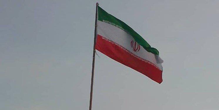 تصاویر ، قدردانی جوانان ونزوئلایی از تهران با برافراشتن پرچم ایران