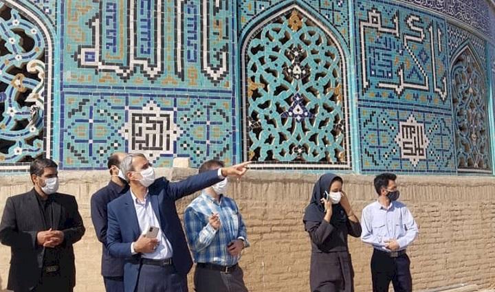 برای بازسازی گنبد مسجد شیخ لطف الله از رئیس جمهور یاری می خواهیم