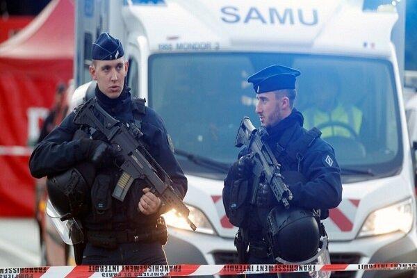 کشته شدن یک مرد در جریان حمله با سلاح سرد در اطراف پاریس