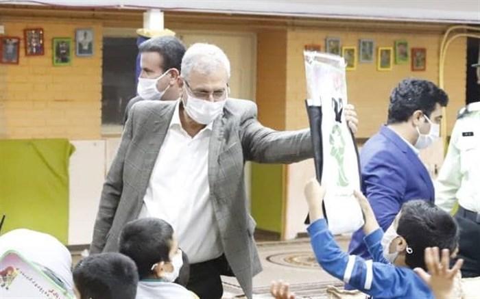حضور سخنگوی دولت در مرکز نگهداری از بچه ها محله جوادیه