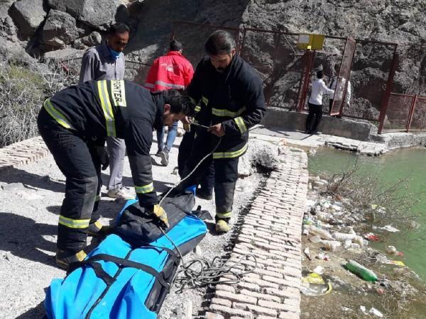 خبرنگاران جسد مرد جوان در بند دره بیرجند کشف شد