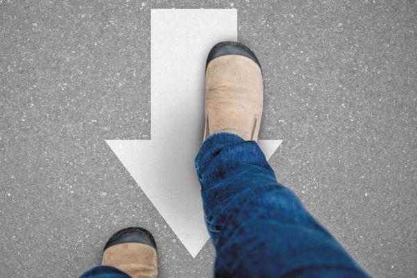 5 فایده پیاده روی معکوس