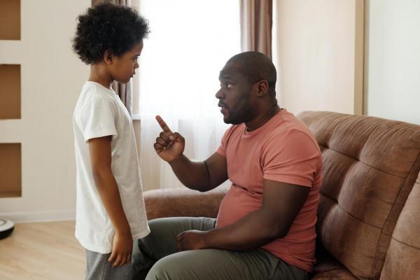 افزایش رفتار بد بچه ها با تنبیه بدنی
