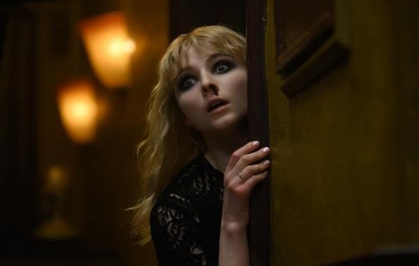 تور ارزان ایتالیا: منتقدان درباره دیشب در سوهو چه می گویند؟ یک فیلم ترسناکِ هیجان انگیز و دیدنی (جشنواره ونیز 2021)