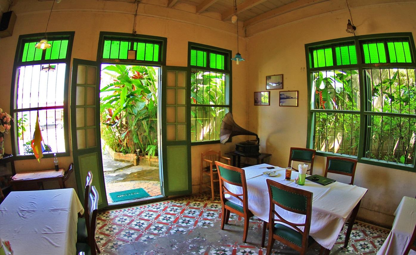 رستوران رایا (Raya) در پوکت
